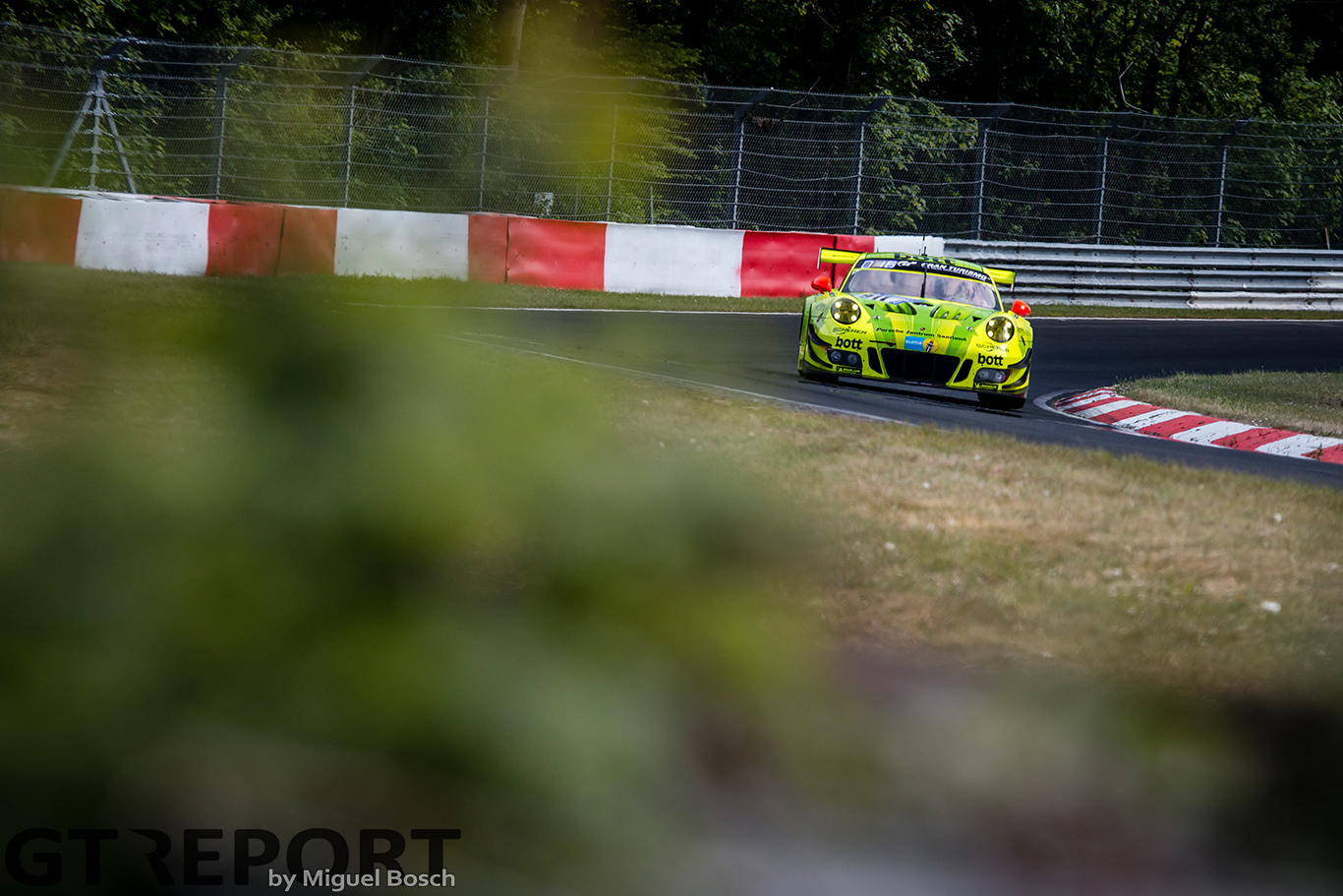 Nürburgring 24 Hours Friday report