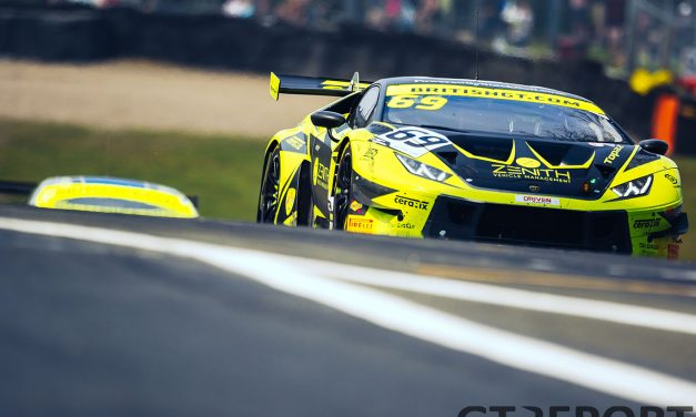 British GT Oulton Park: De Haan strikes late to win it for Barwell