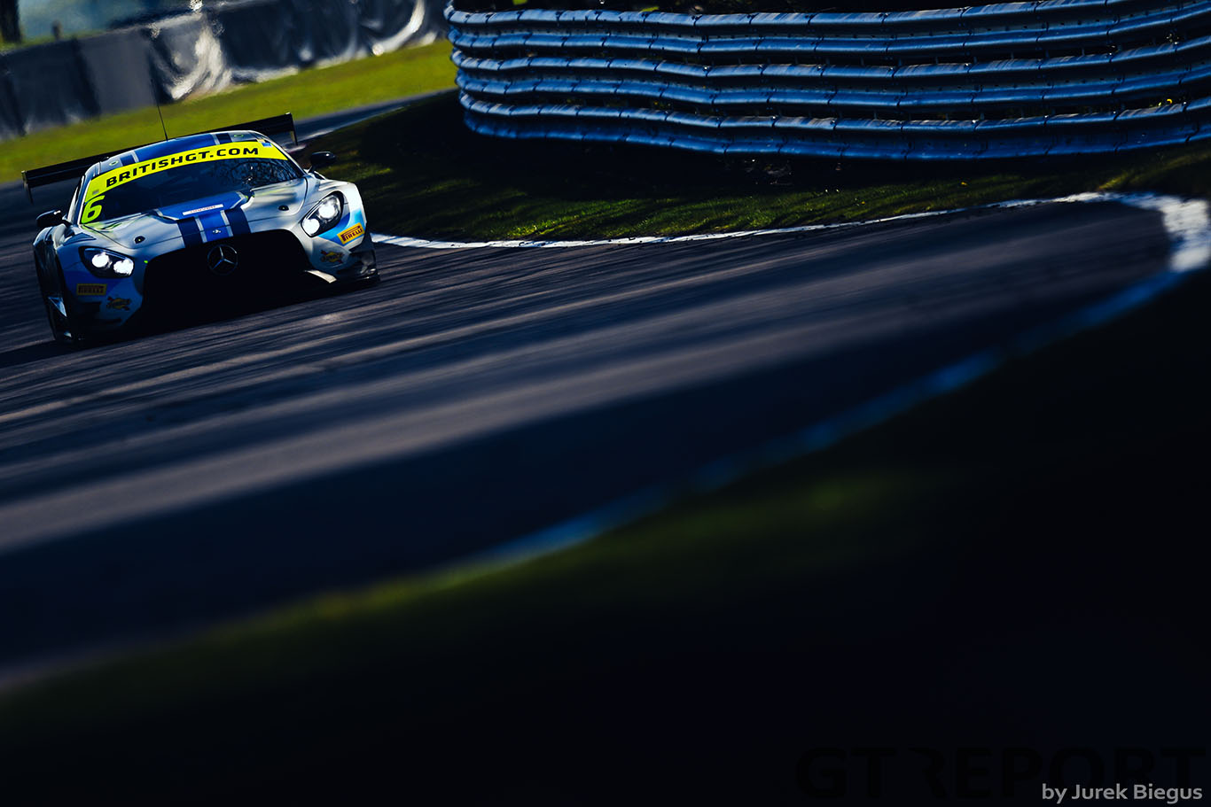 British GT Oulton Park: Ram Racing and Barwell share poles