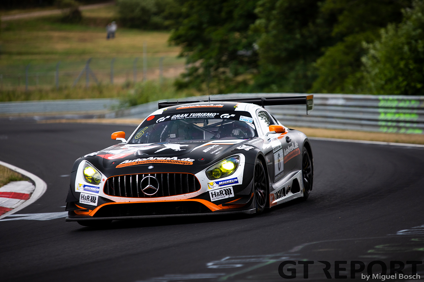 VLN4: Three-way battle ends with Black Falcon on top