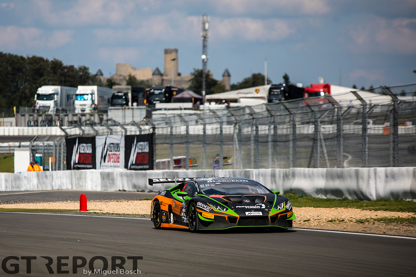 Blancpain GT Nürburgring: FFF Racing scores race 1 win after spectacular late overtake
