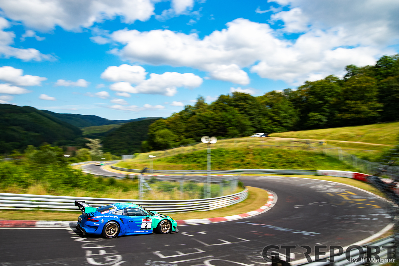 Falken continues two-car Porsche program at Nürburgring