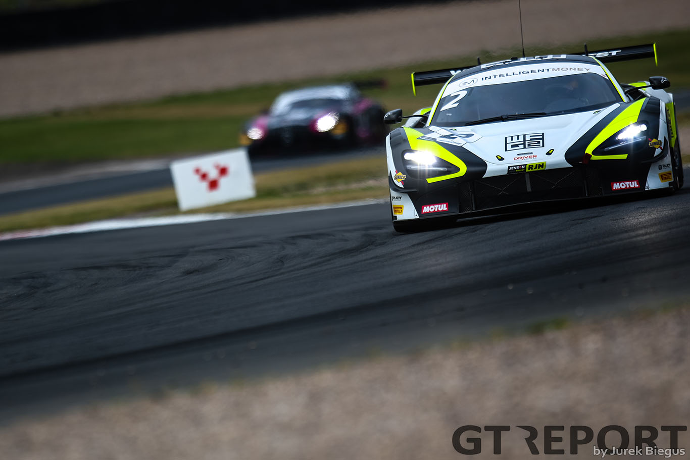 British GT Donington Park: McLaren takes quadruple pole