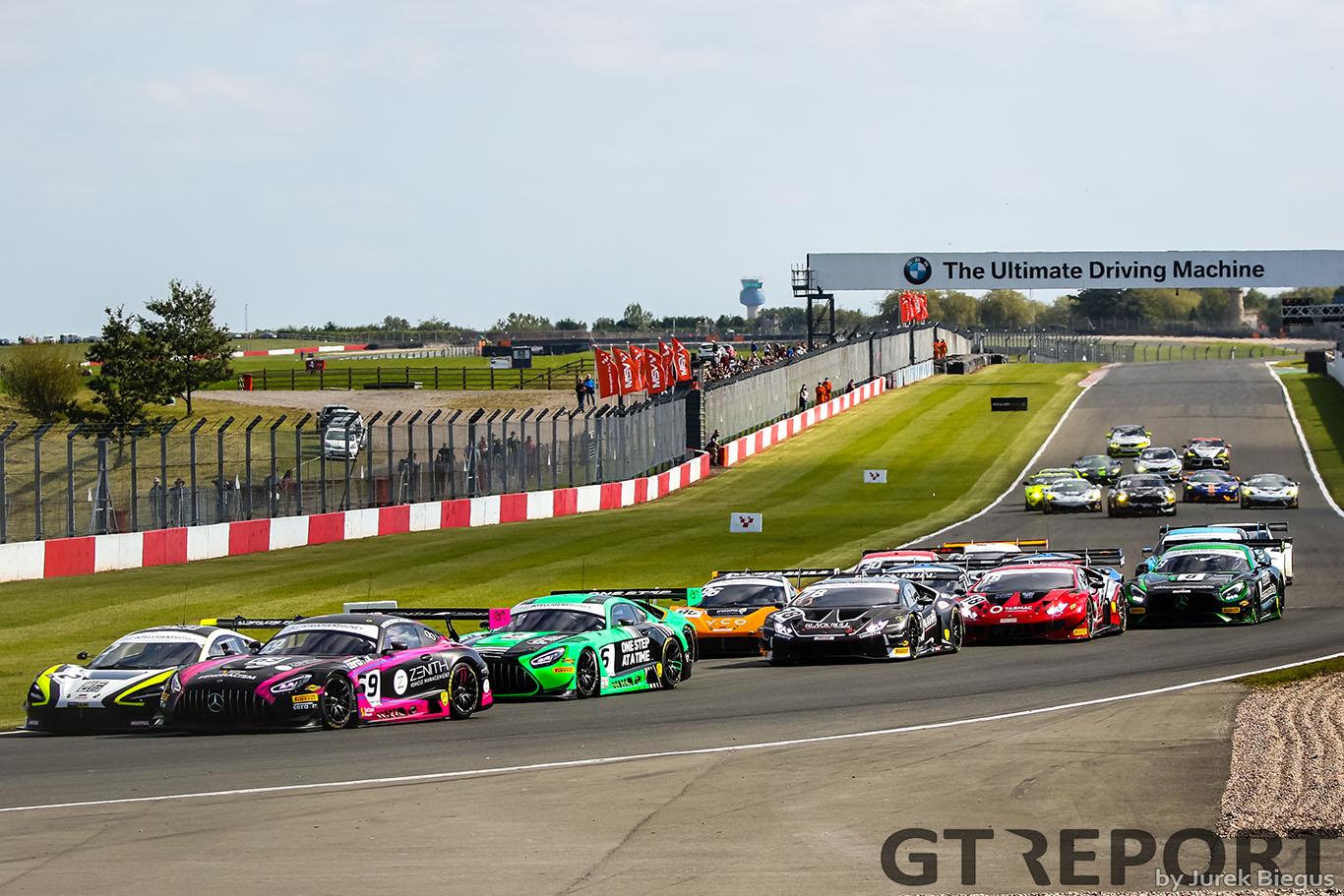 British GT Silverstone finale gets green flag