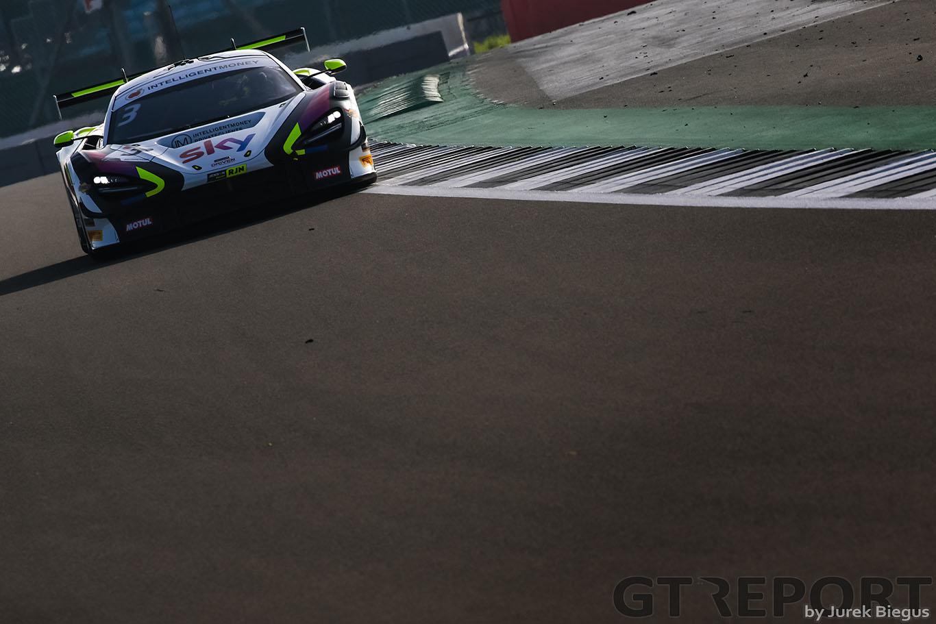 'Very strange' start to British GT's Silverstone 500 for Jenson Button