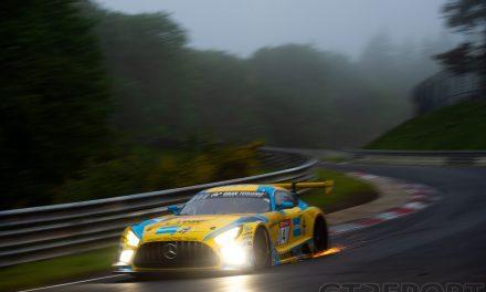 Nürburgring 24 Hours update: Red flag for fog while Mercedes-AMG Team HRT leads