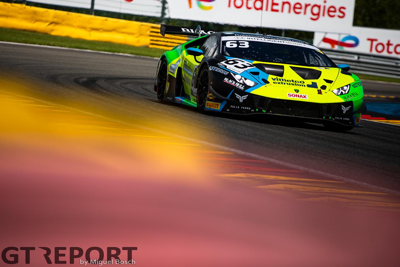 British GT Spa: Lind & Machitski take championship lead with comfortable win in Belgium