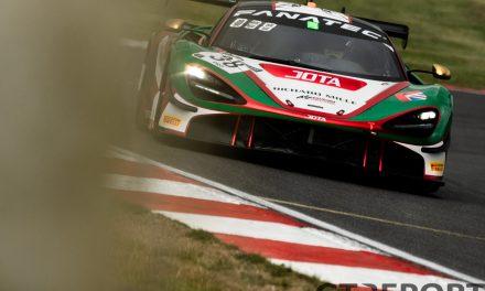 GT World Challenge Brands Hatch: Barnicoat loses race one pole, AKKA ASP double up